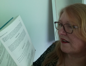 Linda, reading about hypnosis